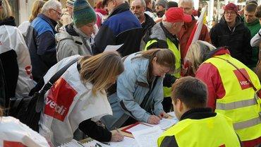 Streikgeld-Anträge werden von Mitgliedern ausgefüllt