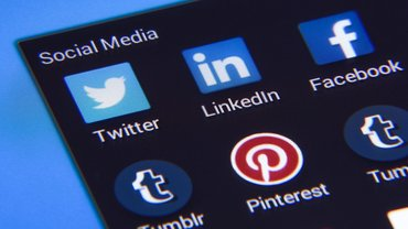 Social Media LinkedIn Facebook Twitter Pinterest