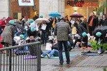 Flashmob der Helios-Beschäftigten vor der Rathausgalerie
