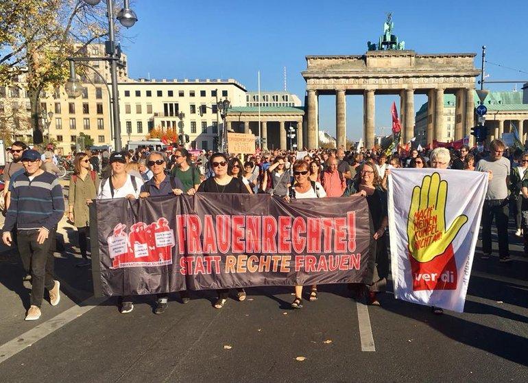 #unteilbar - Berlin 13. Oktober 2018 - Kolleginnen und Kollegen des Bezirks Düssel-Rhein-Wupper