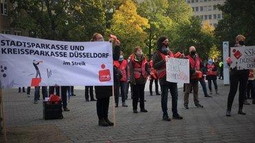 Sparkassen-Warnstreik am 6.10.2020 in Düsseldorf